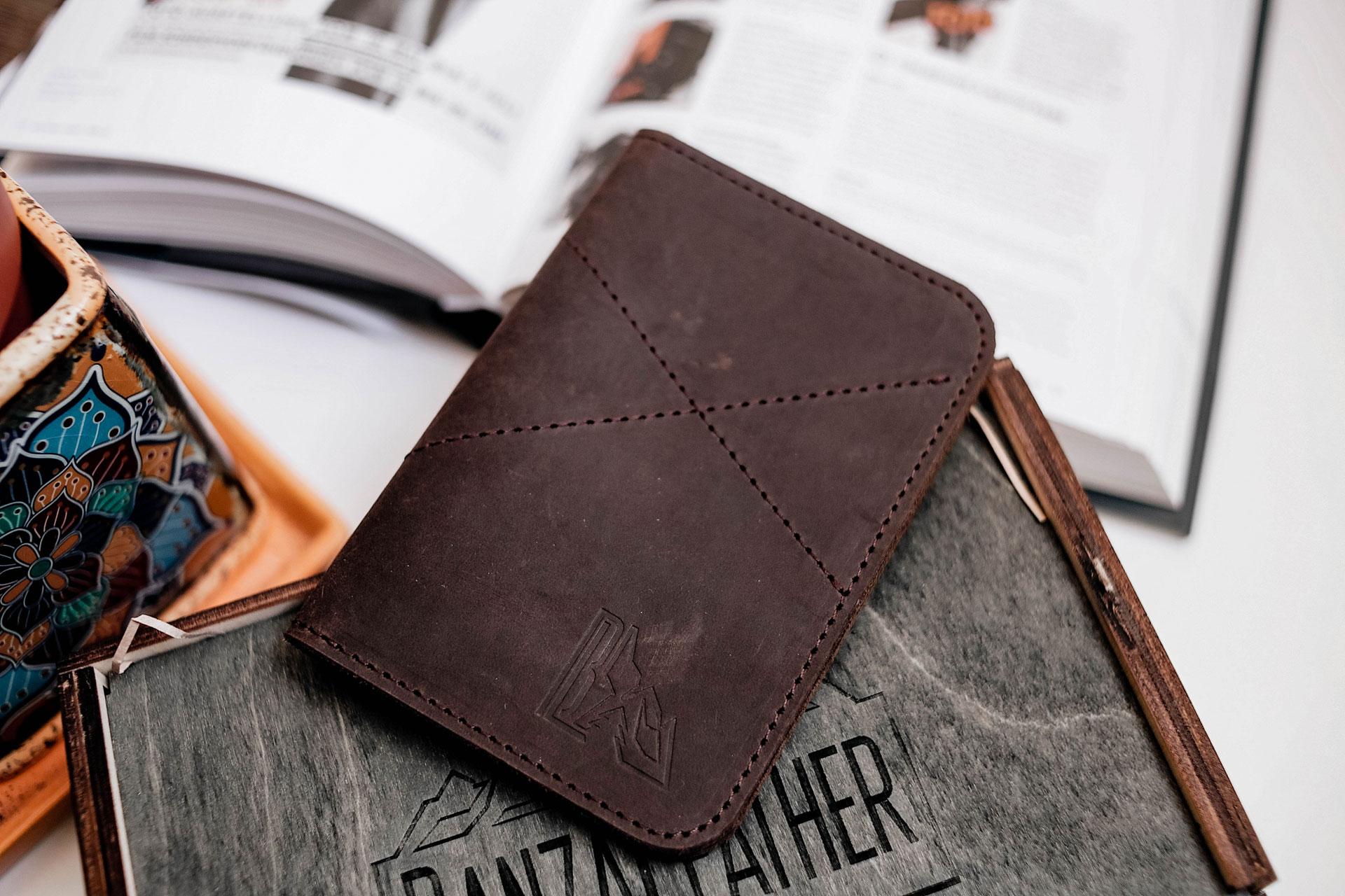 обложка-для-паспорта-коричневая-керри